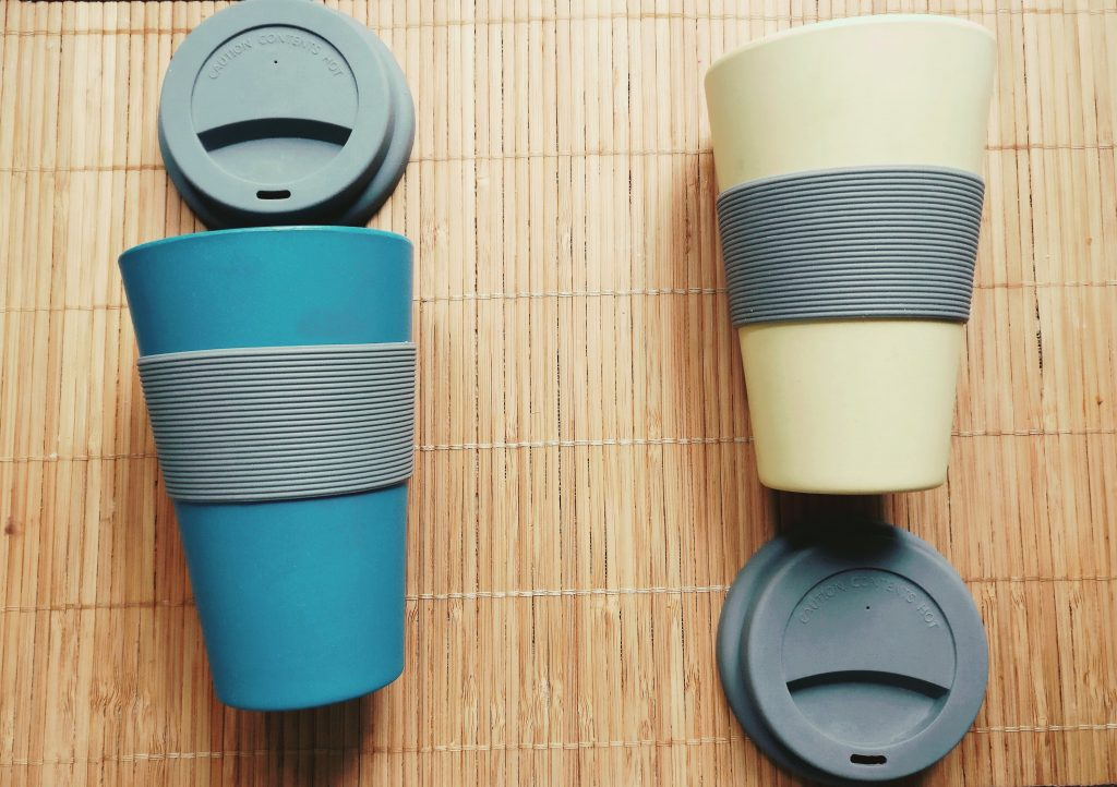 Vasos de bambú reciclables